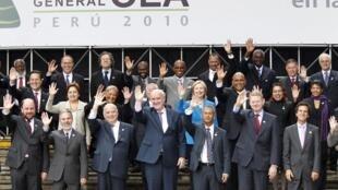 Ministros das Relações Exteriores que participam da cúpula da Organização dos Estados Americanos em Lima, no Peru.