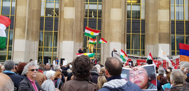 12 октября 2019 года на площади Трокадеро в Париже прошла акция в поддержку курдов