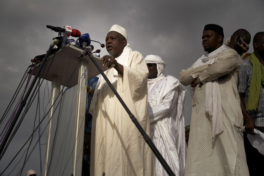 Influential Muslim cleric, Imam Mahmoud Dicko addresses the crowd at Independence square in Bamako on June 5, 2020