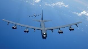Ảnh minh họa: Hai oanh tạc cơ B52 của Không Quân Hoa Kỳ