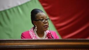 La présidente Catherine Samba-Panza devant le Conseil national de transition (CNT), à Bangui, le 20 janvier 2014.