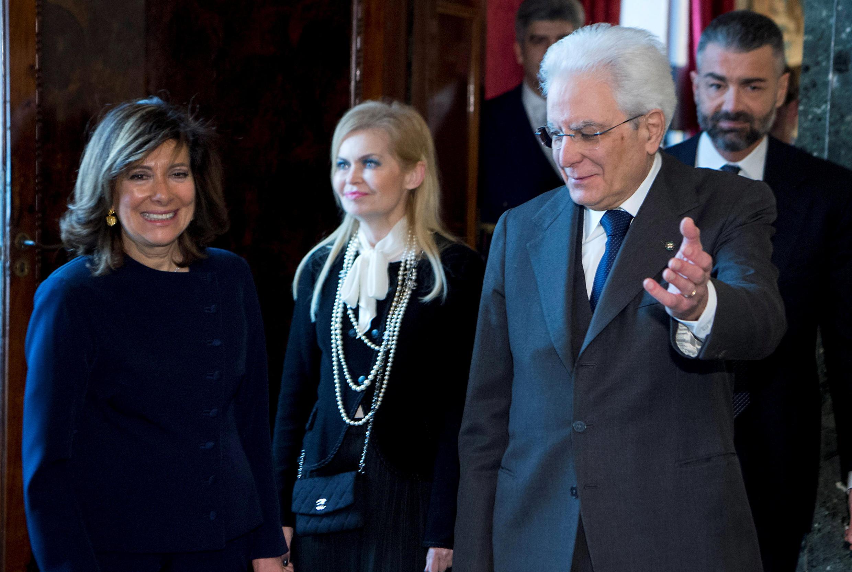 Tổng thống Ý Sergio Mattarella (P) và tân chủ tịch Thượng Viện Elisabetta Alberti Casellati, Roma, ngày 24/03/2018