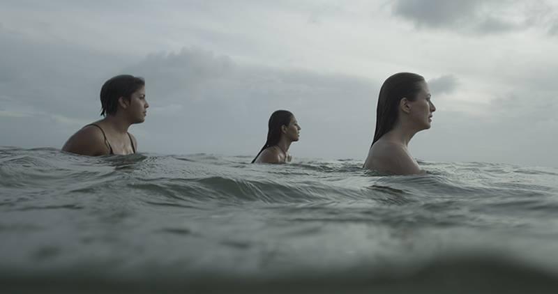 As atrizes Keila Gentil, Ane Oliveira e Lorena Lobato em cena do filme