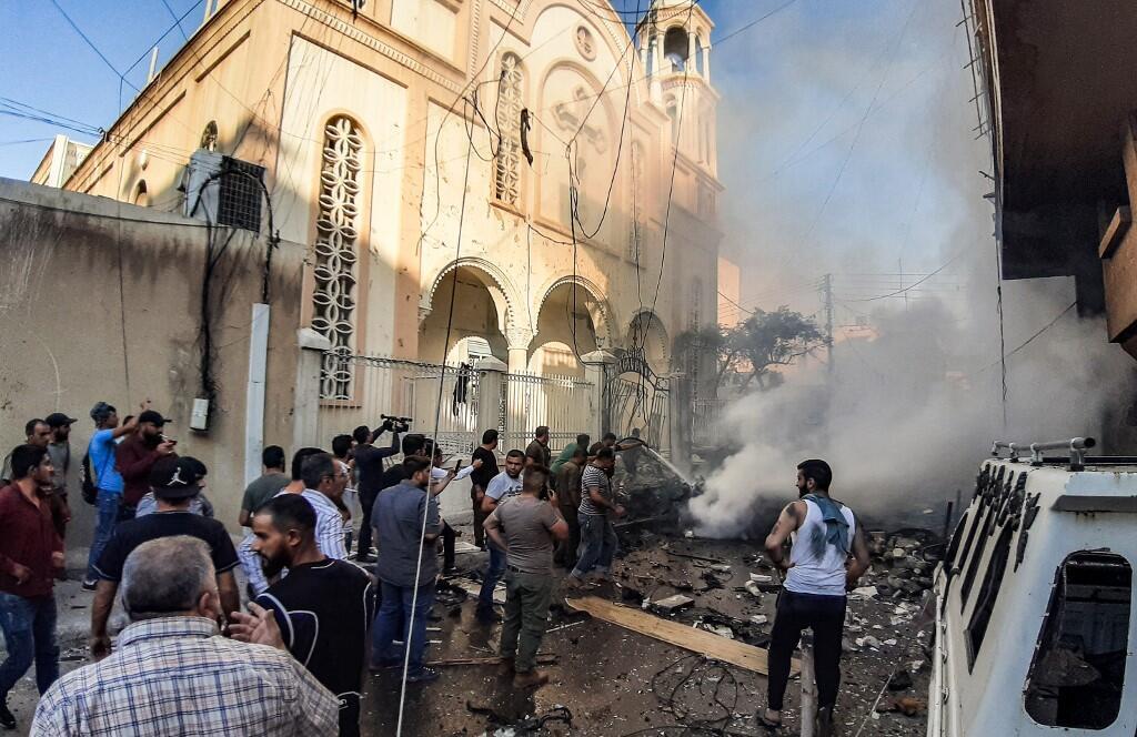 La voiture a explosé devant l'église syriaque-orthodoxe de la Sainte-Vierge, dans cette ville de Qamichli à majorité kurde, le 11 juillet 2019.
