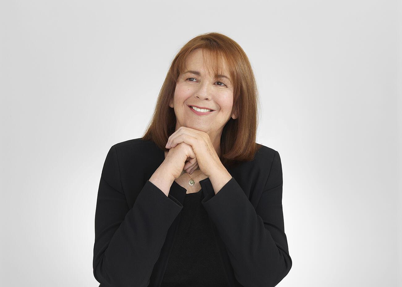 La astrónoma chilena Maria Teresa Ruiz, premio 2017 For Women in Science otorgado por L'Oréal-Unesco.