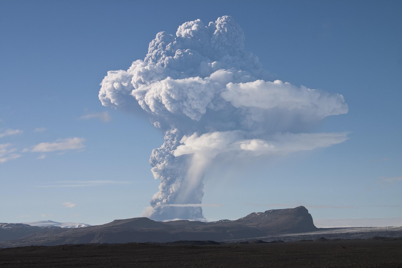 O vulcão Grimsvötn em atividade nesta segunda-feira, 23/05/2011.