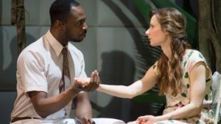 Une scène de la pièce de théâtre « Soudain l'été dernier » qui se joue actuellement au théâtre de l'Odéon à Paris.