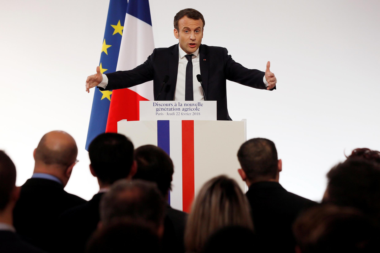 Президент Франции Эмманюэль выступает перед молодыми фермерами, 22 февраля 2018 года.