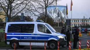 """La policía alemana desmanteló el sitio internet """"más grande"""" del mundo de ventas de drogas, falsos documentos y divisas falsas, y detuvo a un presunto responsable, anunció la fiscalía de Coblenza"""