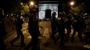 Riot police on Champs Elysées as PSG play Bayern Munich in Champions league final 23 Aug_2020_Gonzalo Fuentes_Reuters