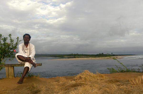 Congolese singer Lokua Kanza's album is an uplifting listen