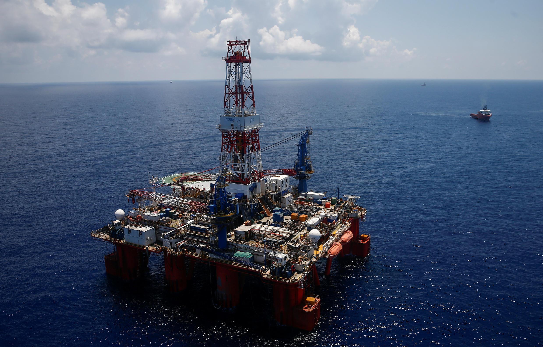 (Ảnh minh họa) - Giàn khoan JDC Hakuryu-5 của tập đoàn Rosneft ở ngoài khơi Vũng Tàu, Việt Nam. Ảnh chụp ngày 29/04/2018.