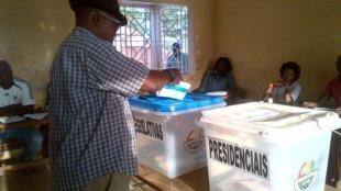 Un bureau de vote lors des élections du 13 avril 2014 en Guinée-Bissau (illustration).