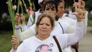 Las Damas de Blanco marcharon ayer por la Habana.