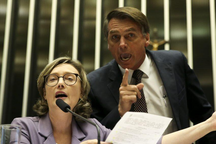 Deputado Jair Bolsonaro(PSC-RJ) discute com a deputada Maria do Rosário (PT-RS) durante comissão geral, no plenário da Câmara.14/09/16