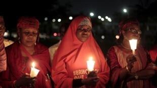 Maandamano ya familia ya wasichana wa shul ya sekondari ya Chibok, Alhamisi, 27 Agosti  Abuja.