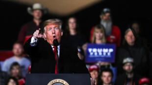 El presidente de Estados Unidos, Donald Trump, el 18 de octubre de 2018 en el estado de Montana durante un acto electoral.