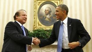 Tổng thống Mỹ Barack Obama (P) tiếp Thủ tướng Pakistan Nawaz Sharif, Nhà Trắng, Washington, 23/10/2013