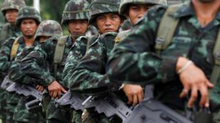 Des soldats thaïlandais en plein entraînement à Prachinburi, le 29 juillet 2016.