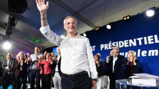 Bruno Le Maire, candidat de la primaire à droite, a présenté son «contrat présidentiel», à Sète, le 17 septembre 2016.