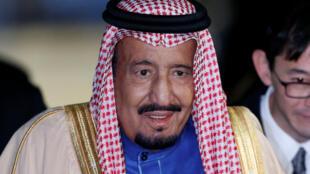 Le roi Salman d'Arabie saoudite à son arrivée à Tokyo le 12 mars 2017.