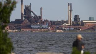 L'aciérie d'Hamilton, en Ontario. Les États-Unis ont levé leurs taxes sur l'aluminium canadien.