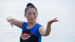 Les adeptes du Qi Gong parlent de «sentir les énergies» pendant la pratique.