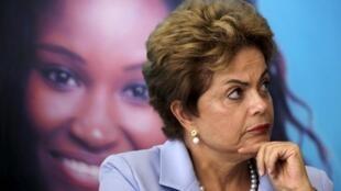Une nouvelle manifestation aura lieu dimanche 16 août pour exiger le départ de Dilma Rousseff du pouvoir.