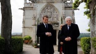 Tổng thống Pháp Emmanuel Macron (T) và đồng nhiệm Ý Sergio Mattarella tham quan lâu đài Amboise, Pháp, ngày 02/05/2019