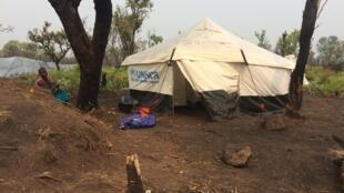 Imagem do campo de refugiados de Lóvua, situado a uma centena de kms da fronteira congolesa.
