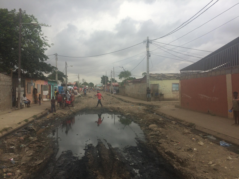 Quartier de Cazenga à Luanda, en Angola.