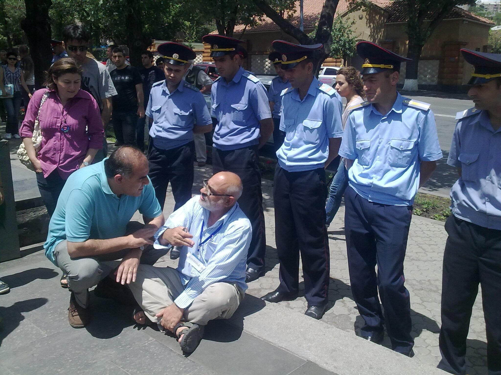 Акция протеста в Ереване, 1 июля 2012