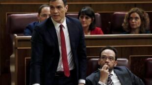 Ông Pedro Sanchez tranh luận tại Quốc Hội Tây Ban Nha ngày 04/03/2016.