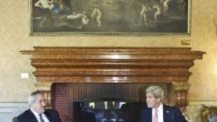 O secretário de Estado americano John Kerry e o chanceler jordaniano Nasser Judeh se reuniram nesta quinta-fira, 9 de maio de 2013, em Roma.