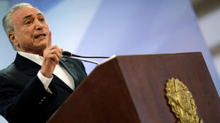 Le président brésilien Michel Temer s'exprime depuis le palais présidentiel à Brasilia, le 20 mai 2017.