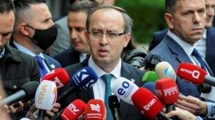 le nouveau Premier ministre Avdullah Hoti, leader de la Ligue démocratique du Kosovo