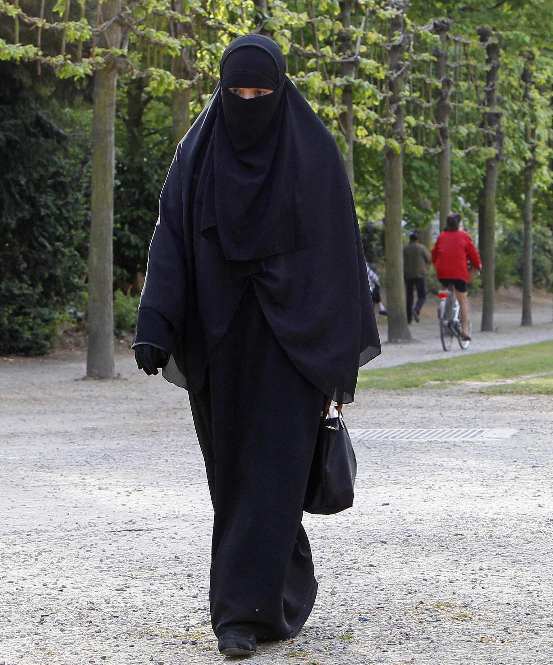 A French Islamic convert, Salma, defies the burka ban