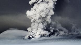 El Grimsvötn es el volcán más activo del país, con nueve erupciones entre 1922 y 2004.