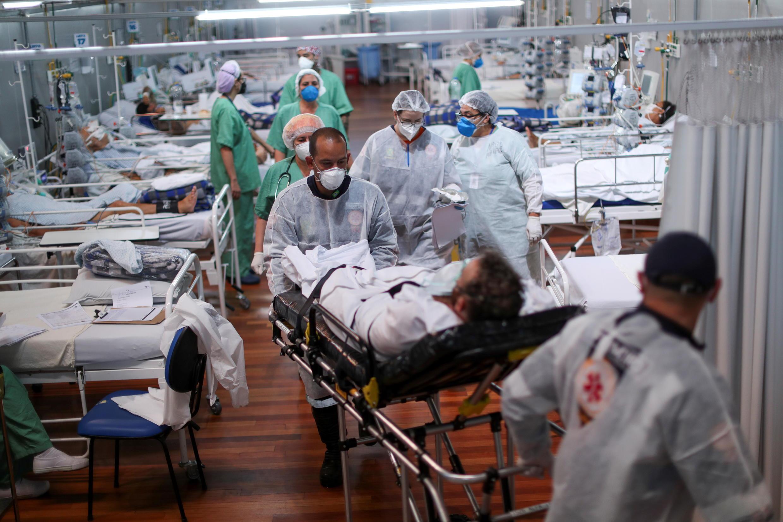 Image d'archive RFI : Covid-19: au Brésil, de plus en plus de jeunes en soins intensifs