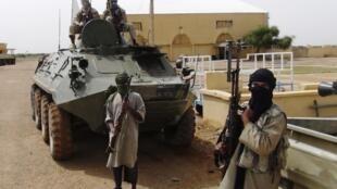 Combattants du Mujao dans la région de Gao le 7 août 2012.