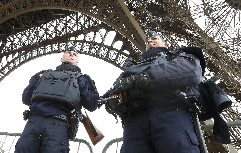 Cảnh sát và quân đội tăng cường các biện pháp an ninh xung quanh các tụ điểm du lịch - REUTERS /Yves Herman