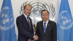 Le Britannique Andrew Gilmour (g), a été nommé sous-secrétaire général aux droits de l'homme des Nations unies par Ban Ki-moon, le 24 juin 2016.