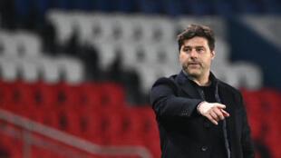 L'entraîneur argentin du Paris-SG, Mauricio Pochettino, lors de la demi-finale aller de la Ligue des champions à domicile contre Manchester City, le 28 avril 2021