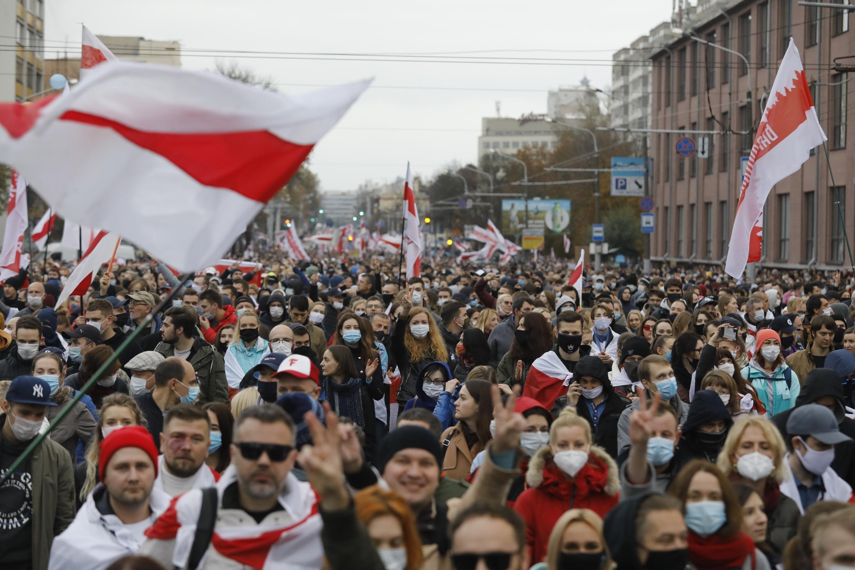 25 октября на улицы Минска вышло до ста тысяч несогласных с результатами выборов