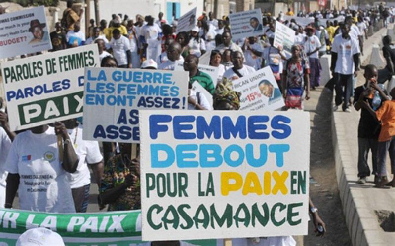 Déjà début février 2011, lors du Forum social mondial à Dakar, les femmes de Casamance manifestaient pour la paix.