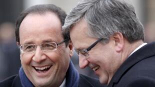 Tổng thống Pháp François Hollande và người đồng nhiệm Ba Lan Bronislaw Komorowski ngày 16/11/2012.