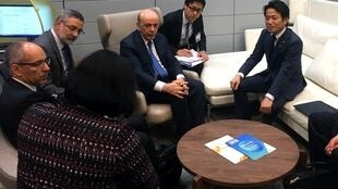 Serra em encontro bilateral com o vice-ministro parlamentar do Japão, Masakazu Hamachi.