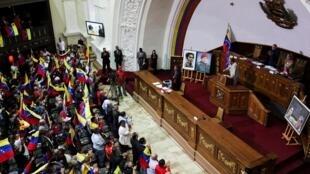 """مجلس ملی ونزوئلا در حال حاضر تحت ریاست """"خوان گوایدو"""" رهبر مخالفان در این کشور قرار دارد."""