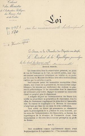La Ley sobre Monumentos Históricos fue votada el 31 de diciembre de 1913.