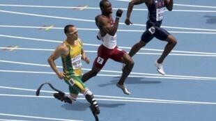 Oscar Pistorius ontem conseguiu o 4° lugar na primeira série dos 400 metros.